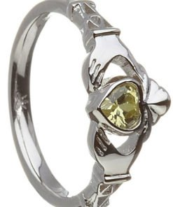 August Birthstone Claddagh Ring – Peridot