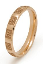 gold trinity knot wedding ring