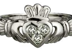 14k White Gold Ladies Claddagh Diamond Heart