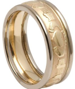 Gold Claddagh Court Wedding Ring with Rims